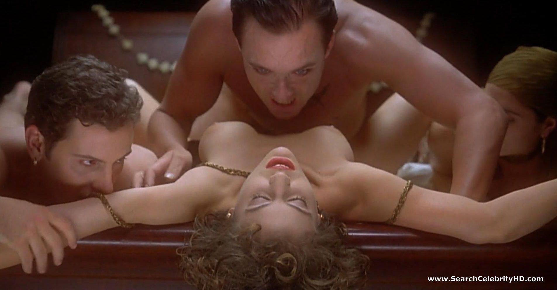Укус вампира порнофильм смотреть онлайн