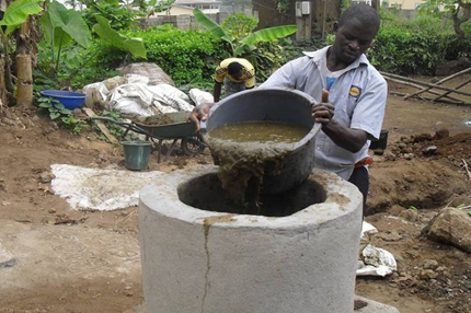 Girls turn poo to clean power in Cameroon biogas push